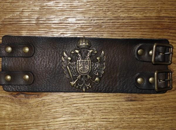 armband leder lederarmband herren braun zur lederhose sterreich herren armb nder exclusiv. Black Bedroom Furniture Sets. Home Design Ideas